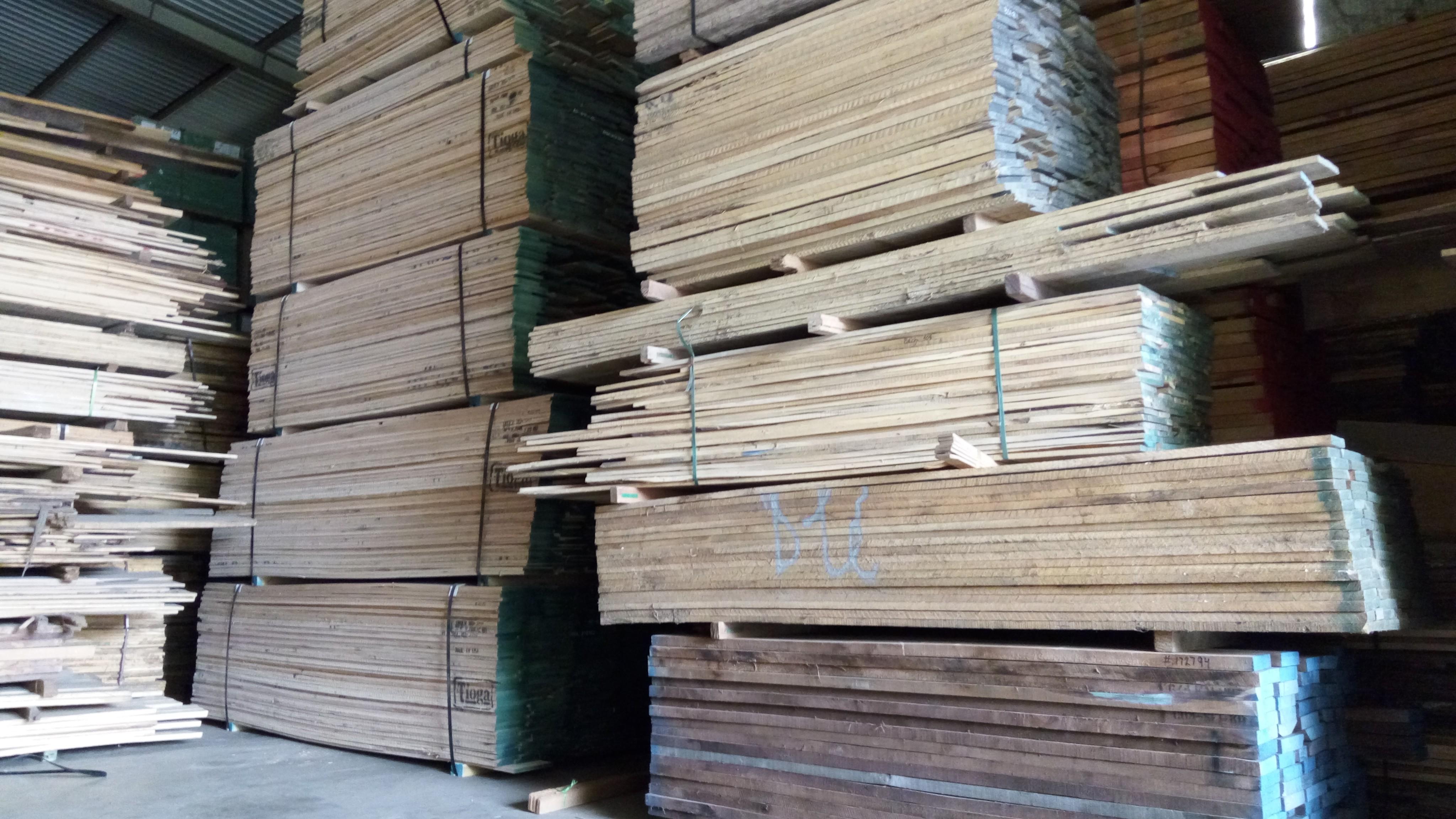 Kho gỗ Tản Viên